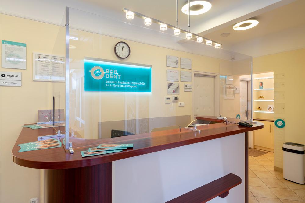 Bobdent Fogászati és Implantációs központ recepció