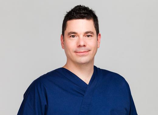 Dr Orosz Gábor - Fogorvos, Dento-alveolaris sebész szakorvos